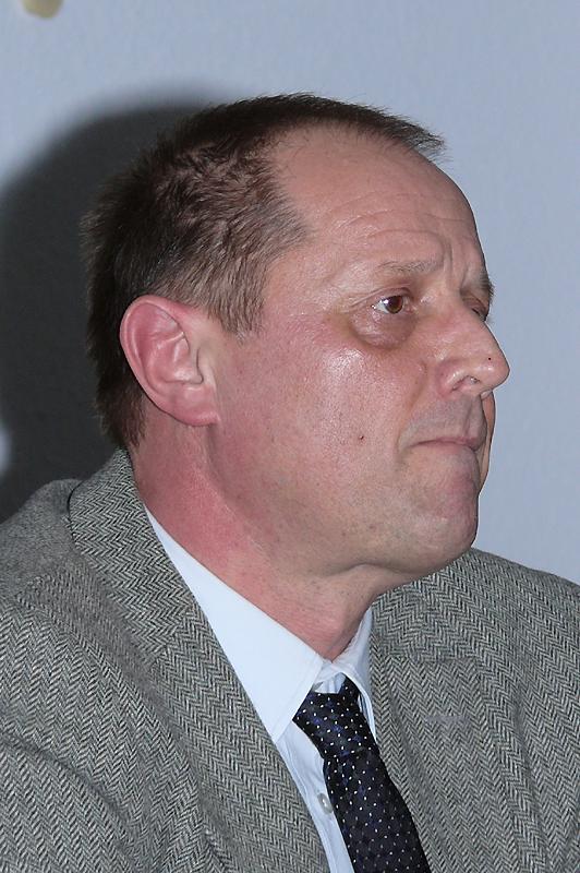 Bürgermeister der Gemeinde Tuningen und Sitzungsleiter Jürgen Roth