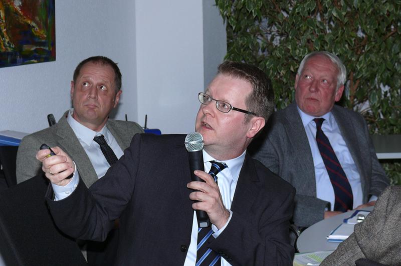 Justizministerium: Abteilung Justizvollzug - Bausachbearbeitung, Herr Regierungsdirektor Dr. Schmidt